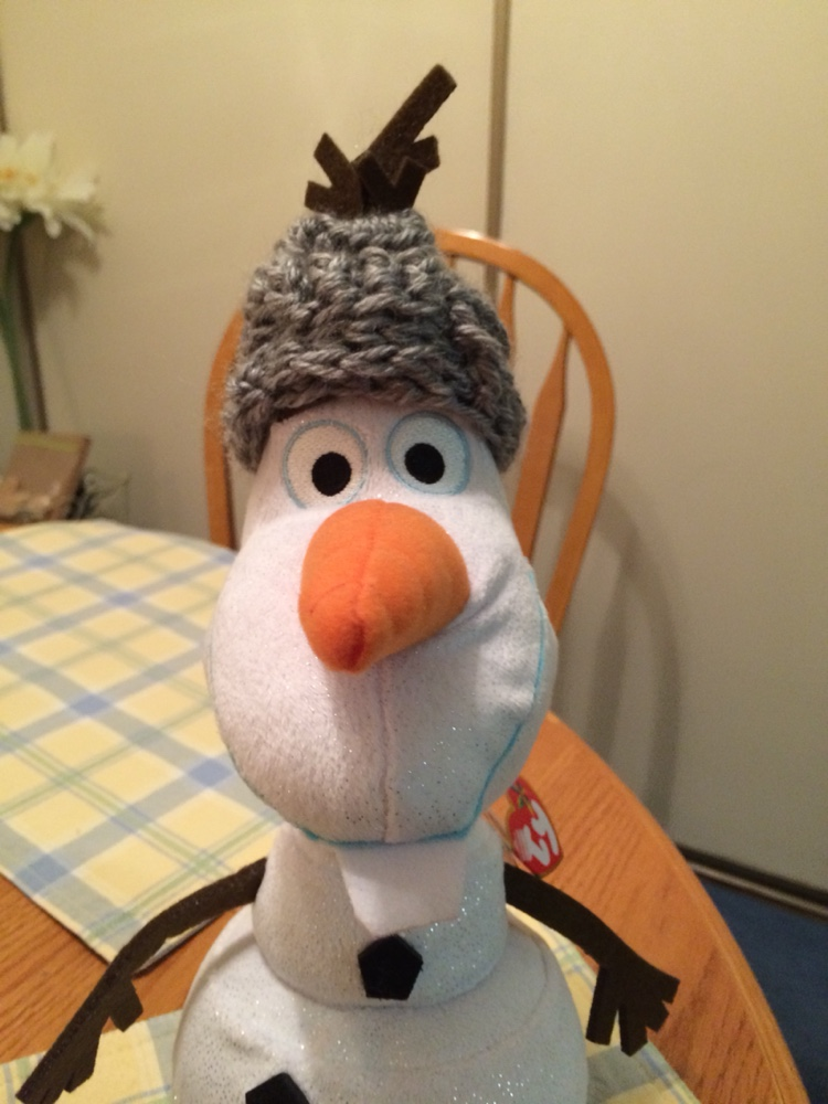 Olaf with hat